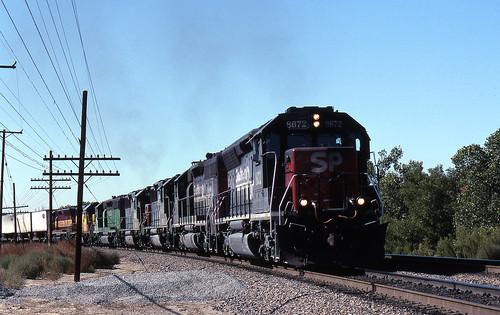 california up trains sp unionpacific southernpacific sd45 emd sd402 elcasco sd40 gp60 santimoteocanyon