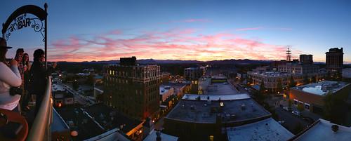 blue sunset sky mountains sol bar del atardecer noche nc downtown grove asheville north arcade ridge carolina puesta montañas skybar wnc