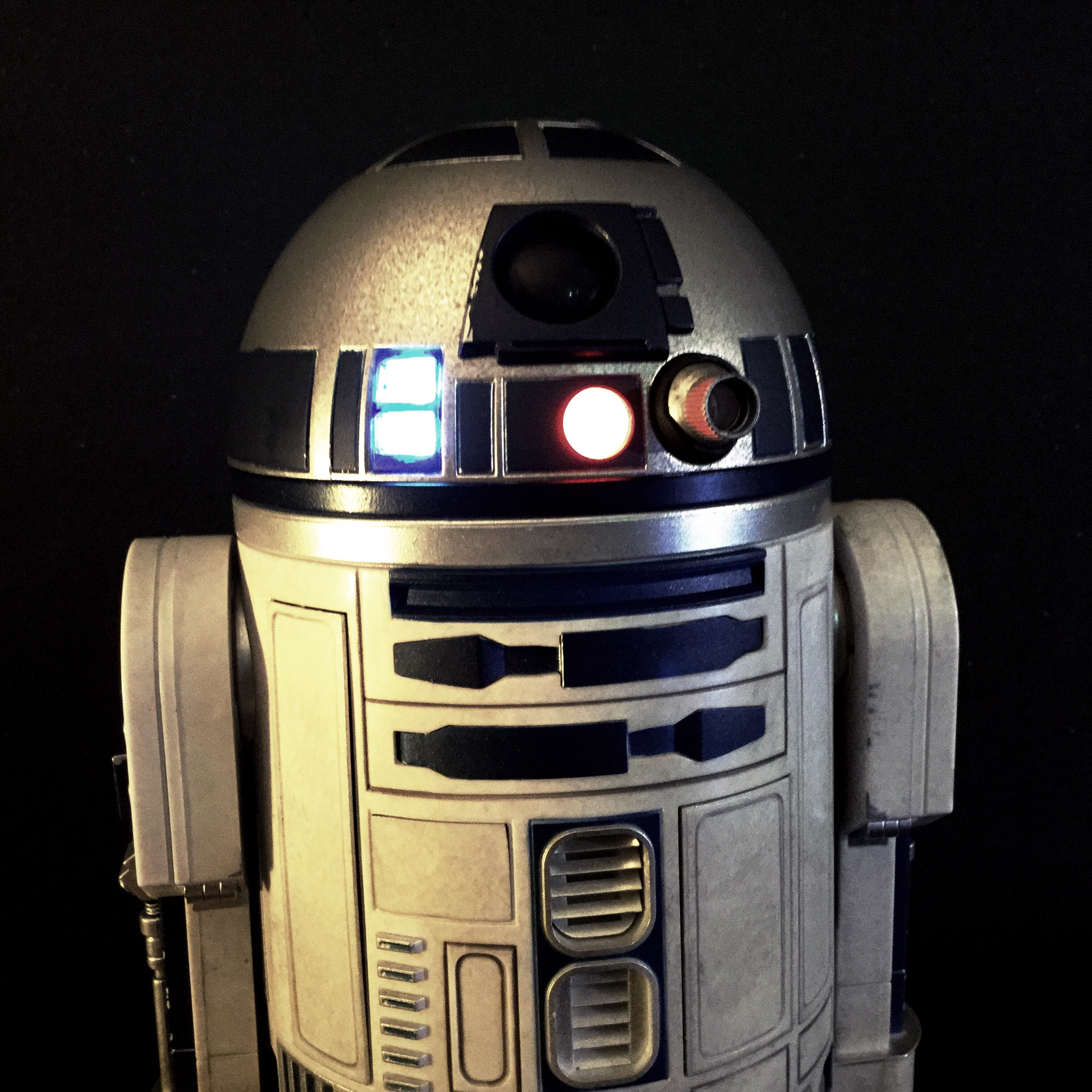 [REVIEW] Star Wars : R2-D2 Deluxe (Sideshow) 16256469168_e9748392f6_o