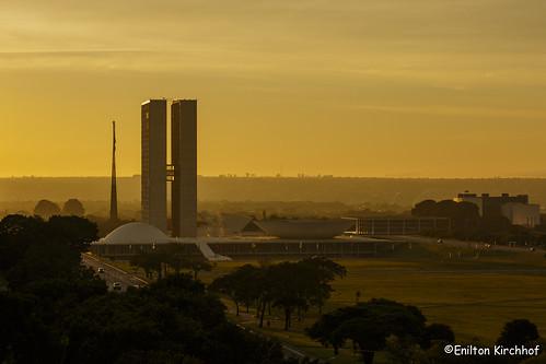 brasil sunrise landscape twilight crepusculo brasiliadf congressonacional esplanadadosministérios canoneos5dmarkiii ef70200mmf28lisiiusm brasilemimagens fotoeniltonkirchhof 150221eni3260ceniltonkirchhof