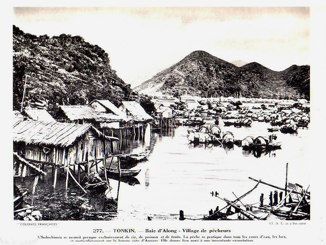 Collection COLONIES FRANCAISES années 1930 - TONKIN. Baie d'Along - Village de pécheurs. Vịnh Hạ Long - Làng chài