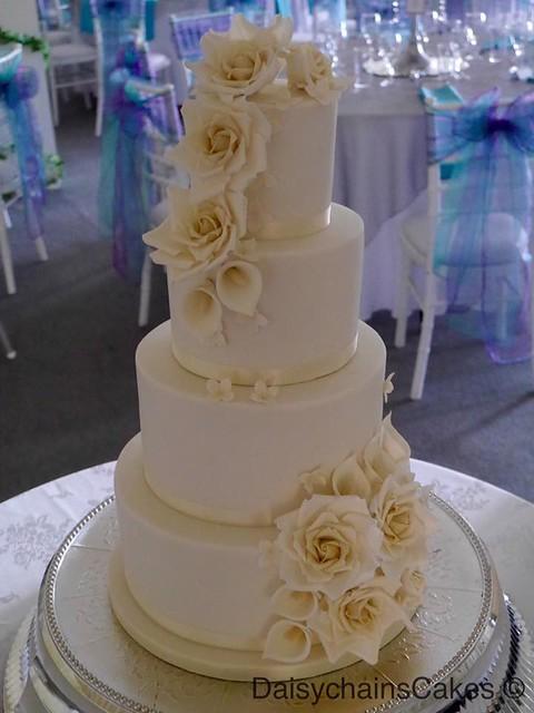 Wedding Cake by Sharon Hart of Daisychain's Cakes