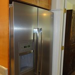 Large capacity side by side fridge