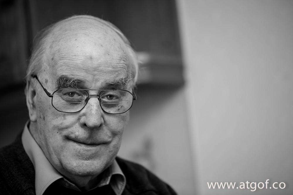 Portread o'r bardd Dafydd Wyn Jones