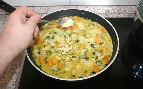 28 - Aufkochen & Hühnerbrühe einrühren / Boil up & stir in chicken stock