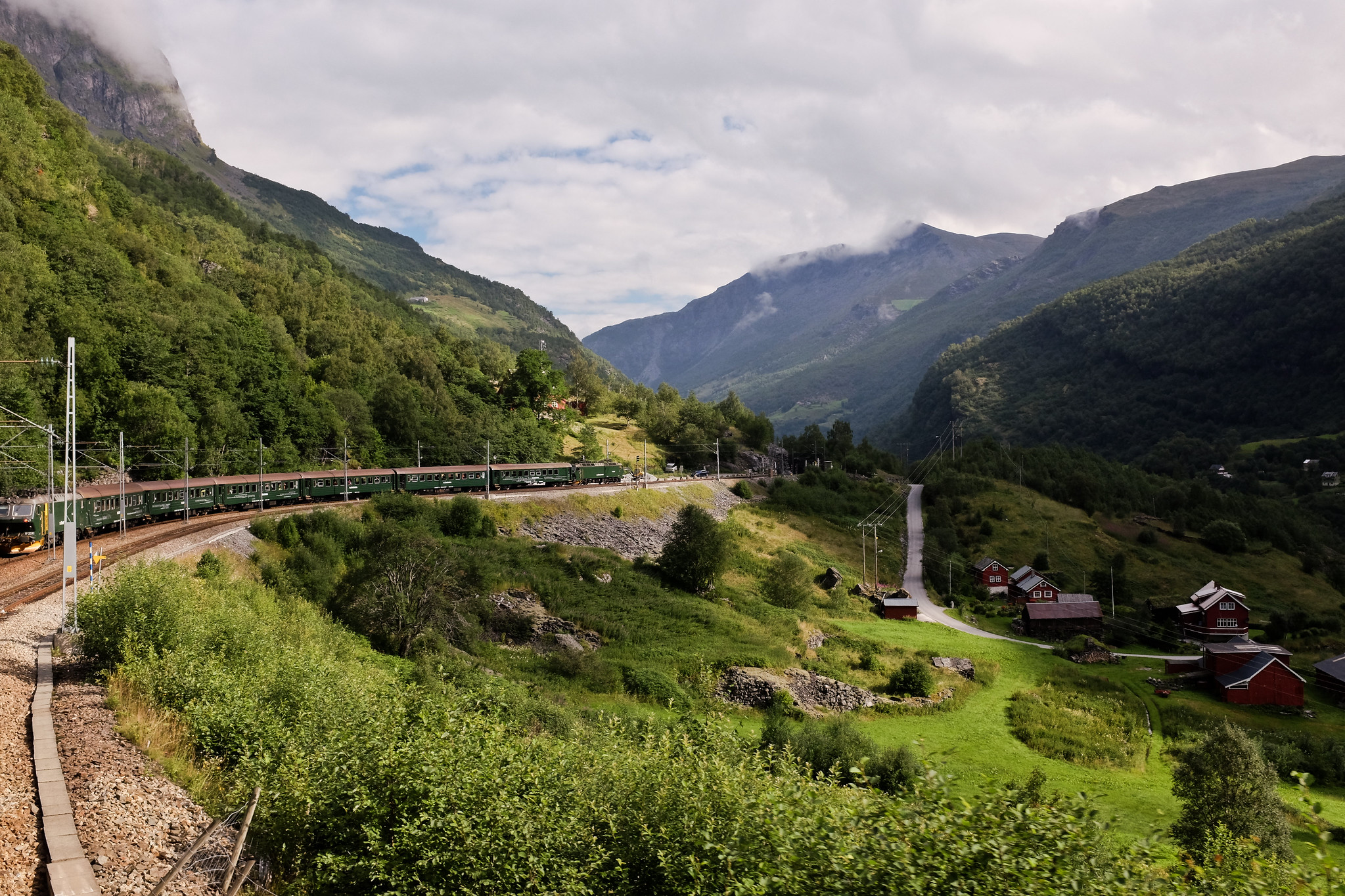 El tren de Flam o Flamsbana camino de la localidad de Myrdal.