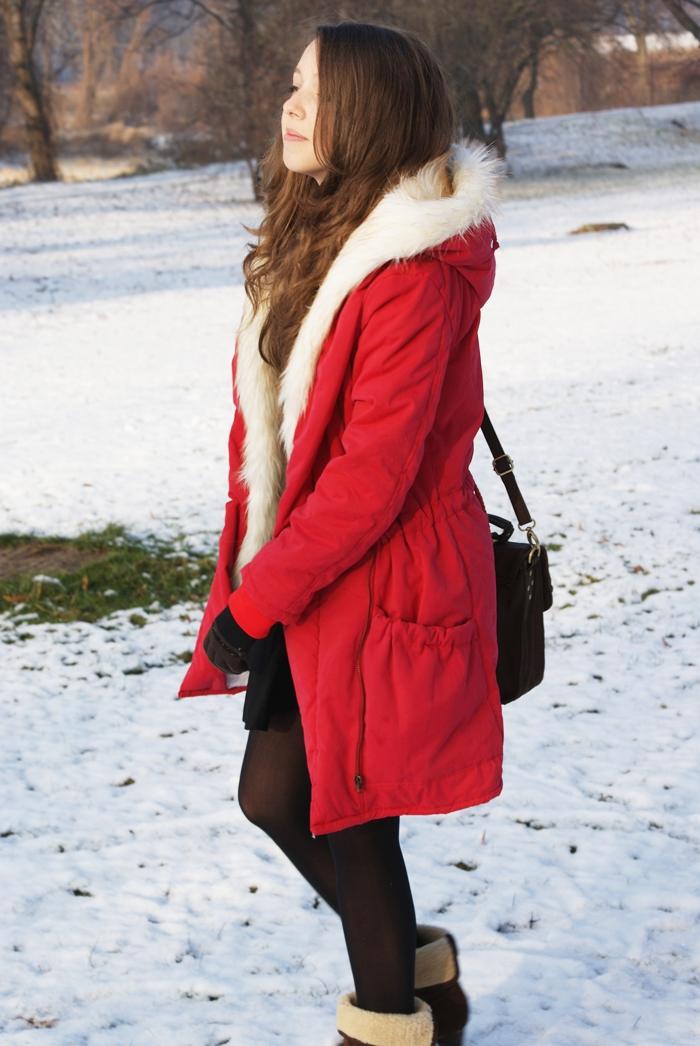 czerwona kurtka na zimę płaszcz