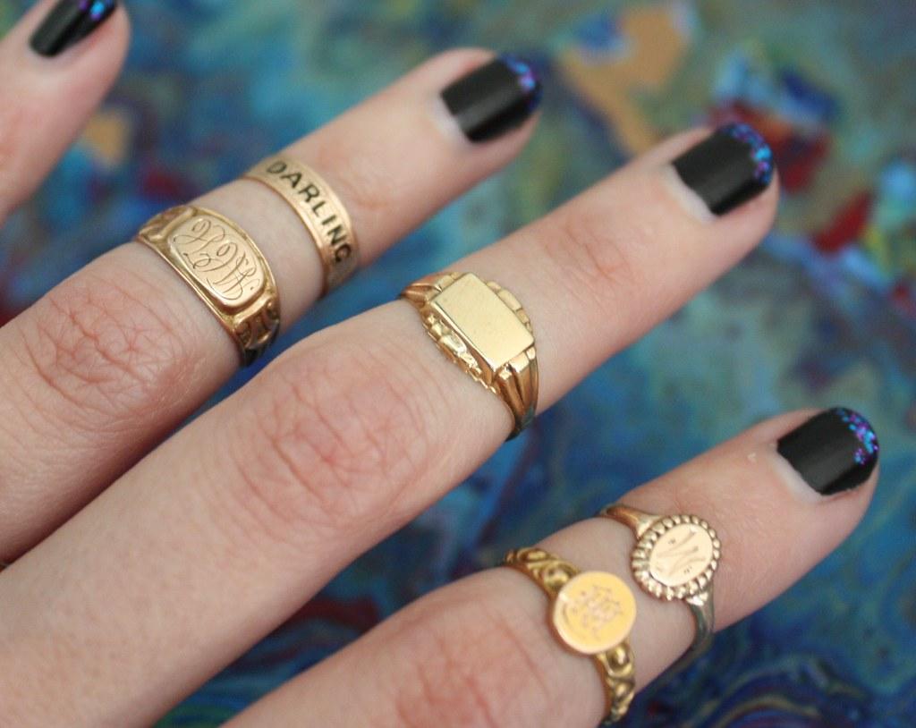 Gold Trends The Signet Ring Lovegold Gem Gossip