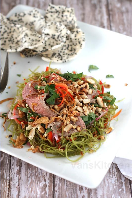 Vietnamese water spinach (Kangkong) salad, Gỏi (nộm) rau muống thịt bò