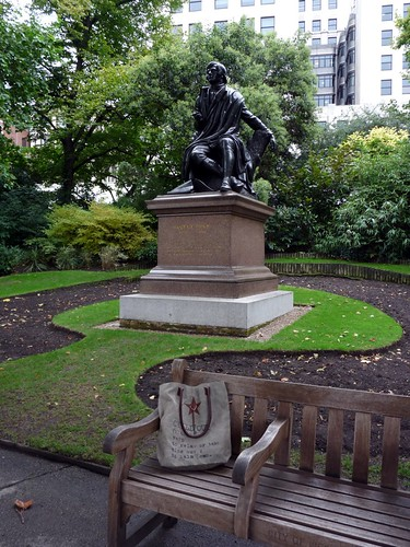 Robert Burns in Victoria Embankment Gardens