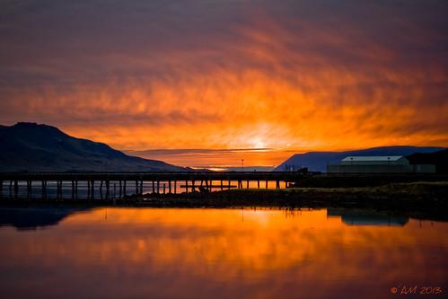 winter sunset sky reflection iceland ísland sjór vetur himinn hvalfjörður sólarlag speglun álfheiðurmagnúsdóttir sólarlagsbil