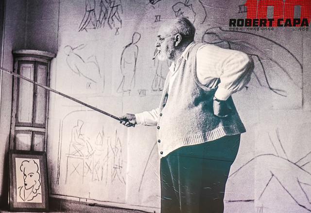 Henri Matisse Shot by Rober Capa.jpg