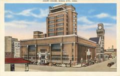 'Court House, Sioux City, Iowa' / postcard