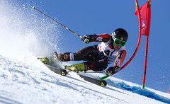 Erik Read in action in the first giant slalom event of the season in Solden, AUT.