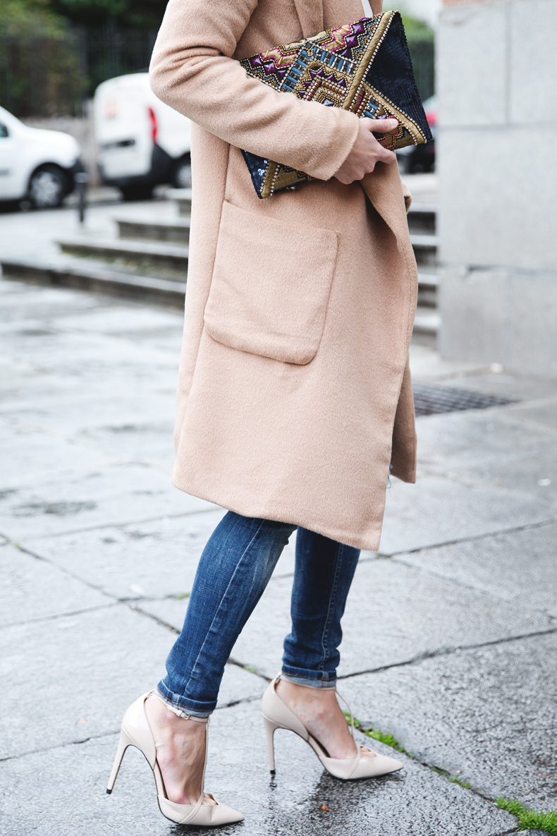 Nude_Coat-Ripped_Jeans-White-Street_Style-Outfit-Collage_Vintage-29