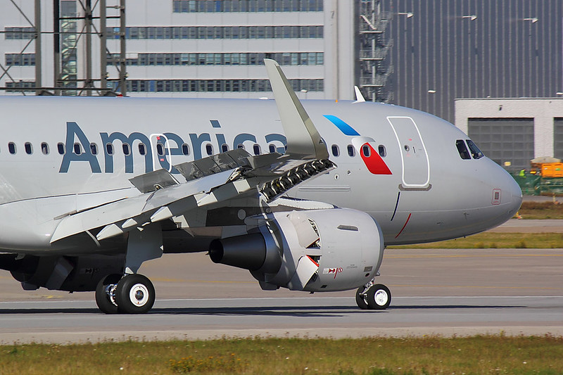 American Airlines - A319 - D-AVXK (3)