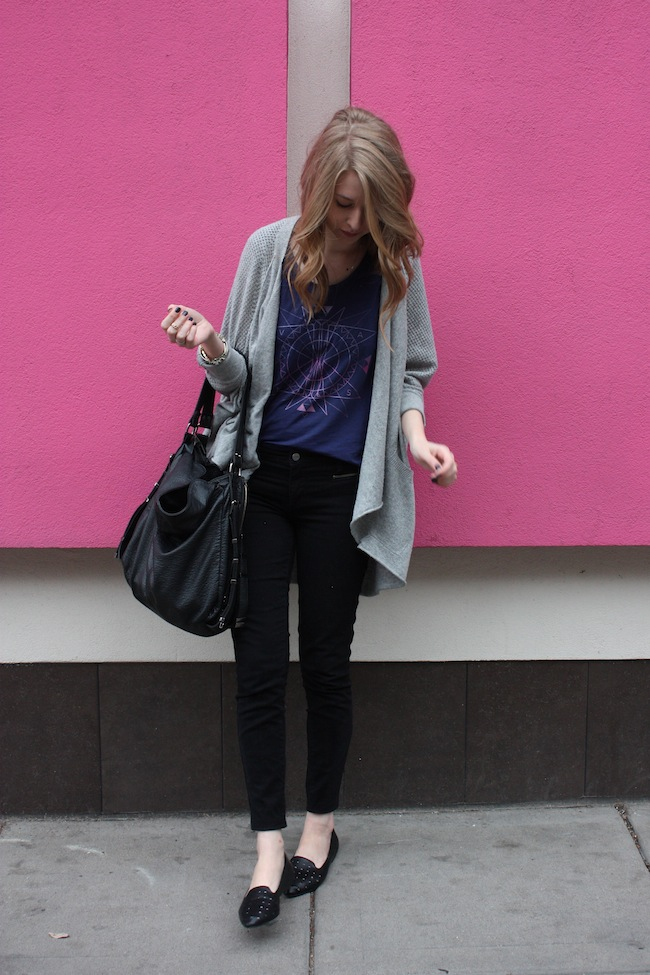 chelsea+lane+minneapolis+fashion+style+blogger+vans+girls+tee+lily+and+violet+cardigan+justfab+signature+skinny+loafers1