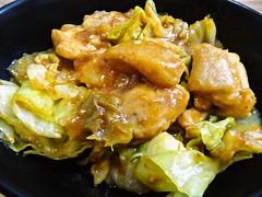 キャベツと鶏肉の味噌マヨ炒め