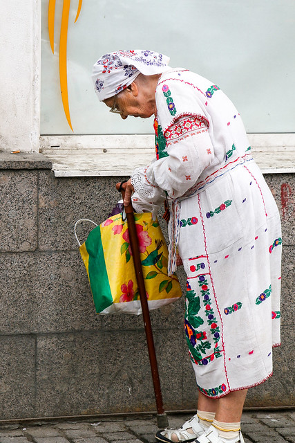 An elderly lady in lovely clothes, Saint Petersburg, Russia サンクトペテルブルクのかわいい民族衣装のおばあちゃん