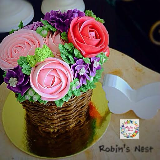 Lovely Floral Cake by Michelle Robin