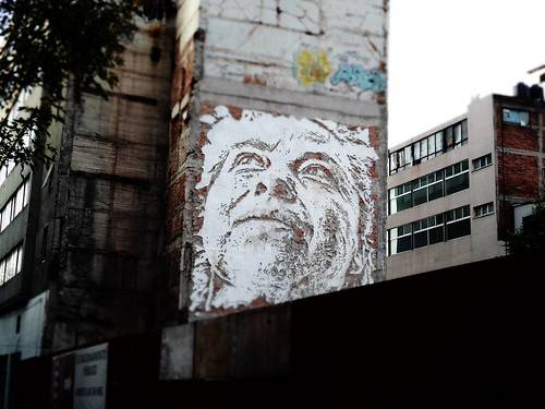 Vhils en México by Maya Dusty