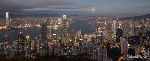 china light skyline night point island hongkong lights evening abend licht twilight skyscrapers nacht dusk illumination peak victoria illuminated hong kong vista dämmerung aussicht kowloon icc ifc nightfall lichter overview vantage überblick