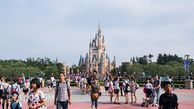 Tokyo Disneyland - World Bazaar / View of Cinderella Castle
