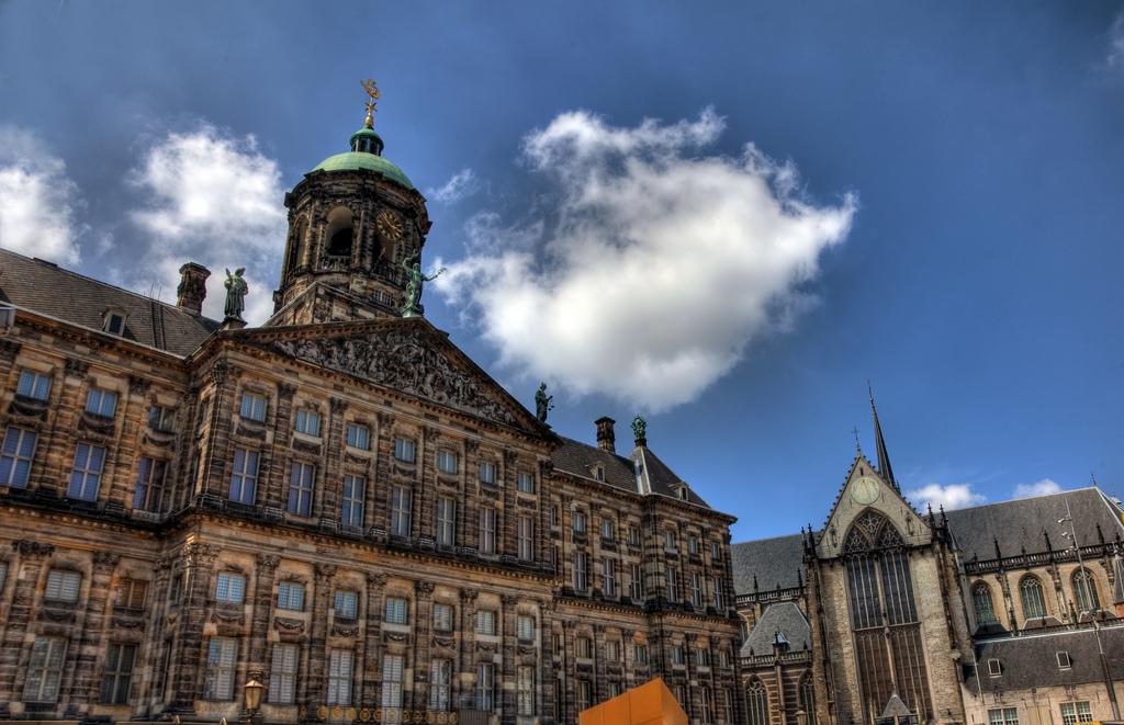 11. Palacio Real en Ámsterdam, en la plaza Dam. Autor, Vgm8383