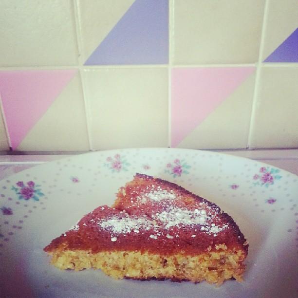 Le cake abricots et prunes est prêt pour le goûter ^^ #cuisine #gateau #cake #blog #blogueuse #ourlittlefamily #france