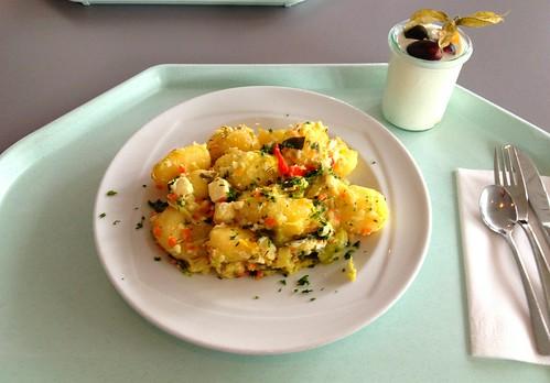 Kartoffelgeröstl mit Lauch & Schafskäse / Roast potatoes with leek & feta