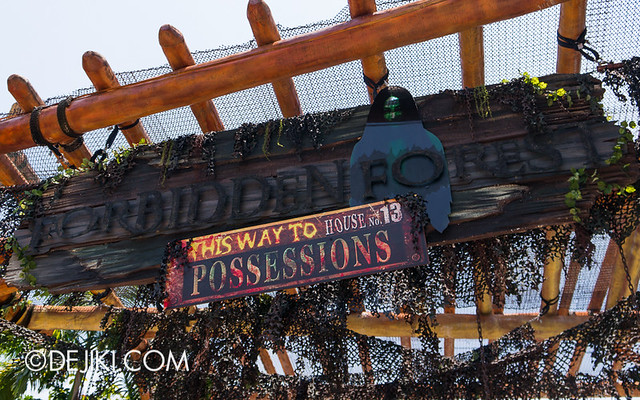 HHN3 Before Dark 1 - Forbidden Forest 2 signage