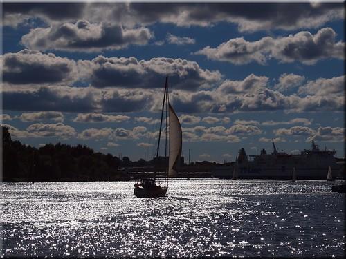 light sea water clouds geotagged back wasser wolken olympus baltic ostsee travemünde gegenlicht e620 geo:lat=5395689966 geo:lon=1086980956