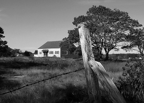 Barn by the Sea BW