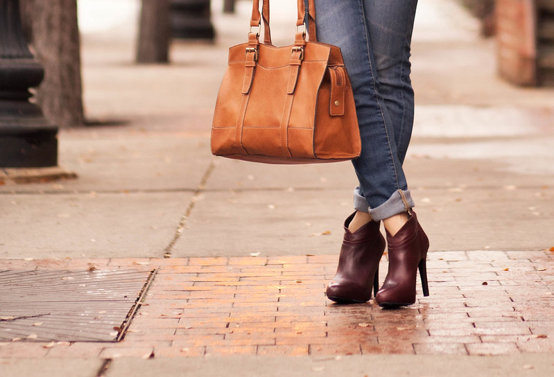 cute & little blog | gap always skinny jeans, jessica simpson aggie boot, emilie m jane satchel outfit