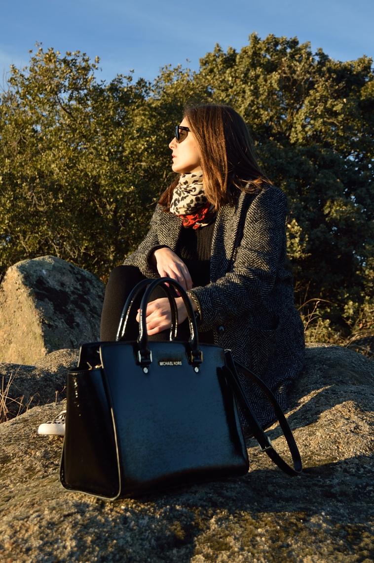lara-vazquez-madlula-blog-fashion-total-black-details