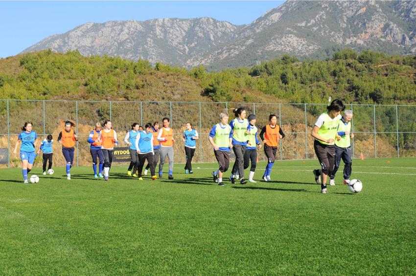 Kazakistan Bayan Futbol Takımları'ndan FC BIIK-Kazygurt ve İsveç Bayan Futbol Takımlarından FC Rosengard dostluk maçı yaptı, Goldcity Turizm Kompleksi, Goldcity Tourism Comlex