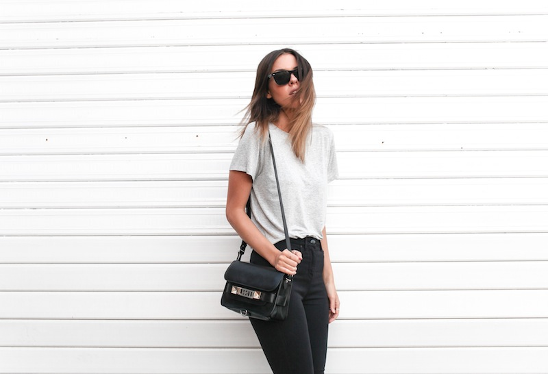 modern legacy fashion blog australia street style grey boyfriend tee t shirt high waisted jeans Proenza Schouler PS11 mini classic bag slide sandals Ray Ban Oversized Wayfarers (11 of 12)