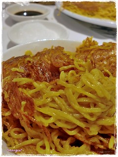 糖醋煎伊麵 pan-fried e-fu noodles