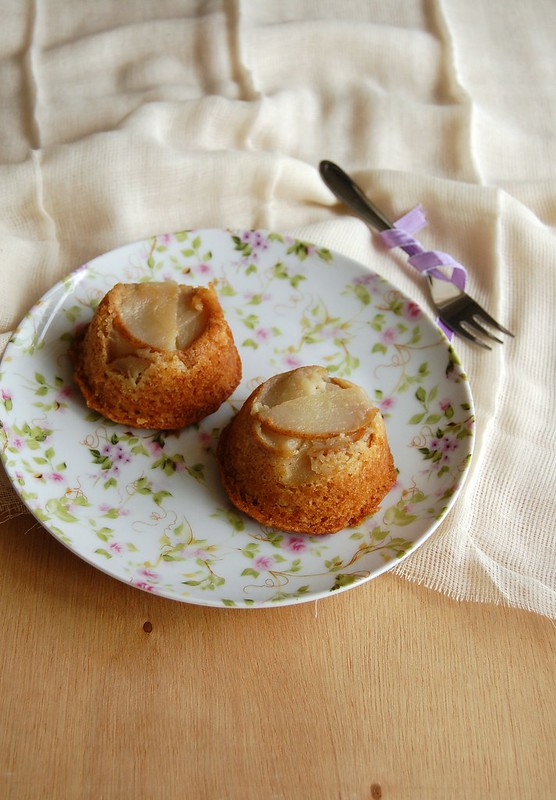 Pear and almond muffins / Muffins de amendoa e pera