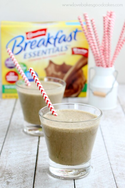 Chocolate Coconut Green Smoothie is an easy, nutritious and delicious tasting drink perfect for busy mornings! #BreakfastEssentials #PMedia #ad