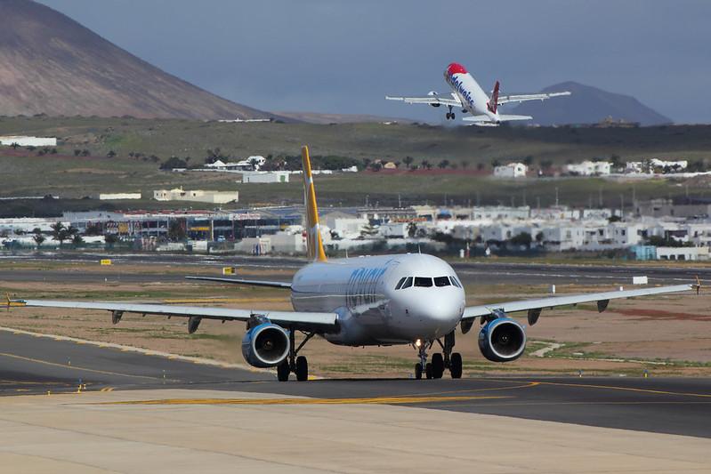 Novair - A321 - SE-RDN (3)