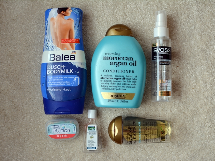 Balea Dusch-Bodymilk trockene Haut  Organix Renewing Moroccan Argan Oil Conditioner  Organix Renewing Argan Oil of Morocco Penetrating Oil  Syoss 10in1 Essential Wonder Wunderkur  Rausch Weidenrinden Spezial-Shampoo Wilkinson Intuition dry skin