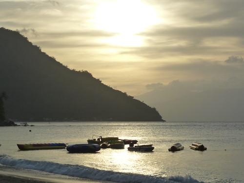 Min-Puerto Galera-White Beach (94)