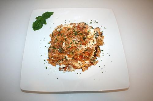 54 - Gyros kritharaki casserole with feta cream - Served / Gyros-Kritharaki-Auflauf mit Fetacreme - Serviert