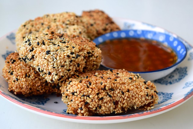 Homemade Takeaway Style Sesame Prawn Toasts | www.rachelphipps.com @rachelphipps