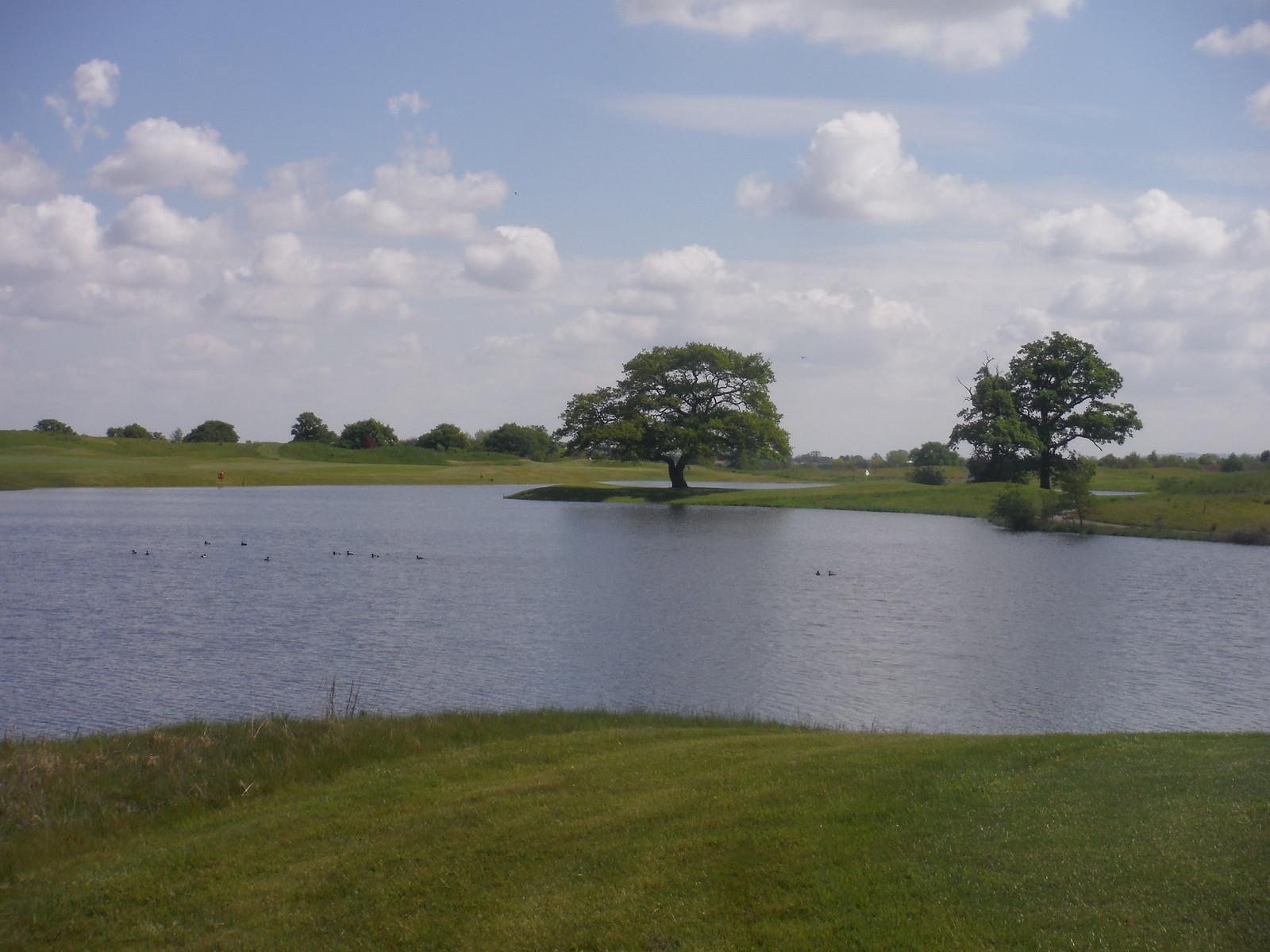 Oxfordshire Golf Club (III) SWC Walk 190 - Thame Circular