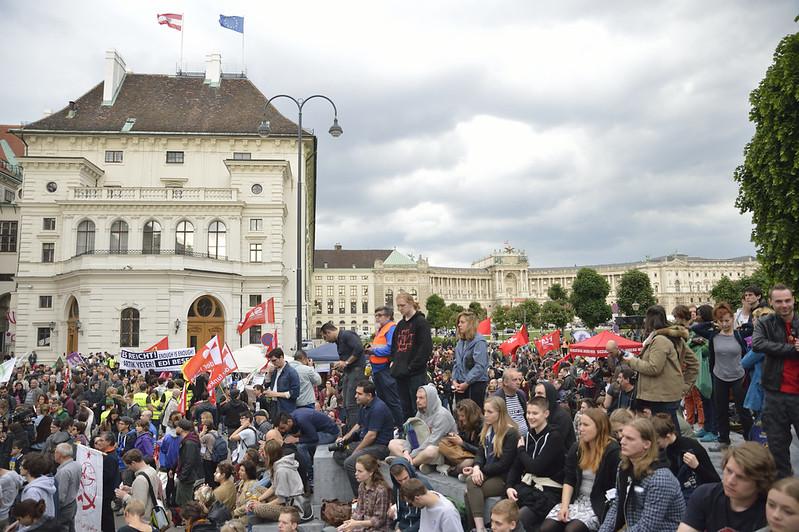 """Kundgebung """"Kein rechtsextremer Burschenschafter als Bundespräsident!"""""""