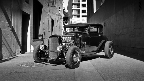 Coupe Hollywood alley-3 by Chris Casny