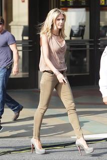 Heidi Klum Beige Jeans Celebrity Style Women's Fashion