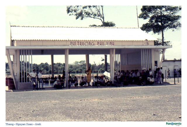 Phi trường Phú Vinh (Trà Vinh) - Terminal (Photo by Brian Bowling 1970)